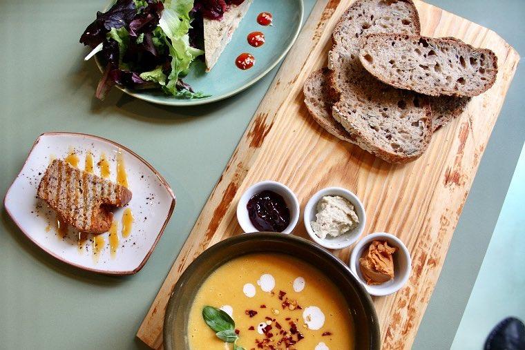 3 restaurantes vegetarianos que tens de ir