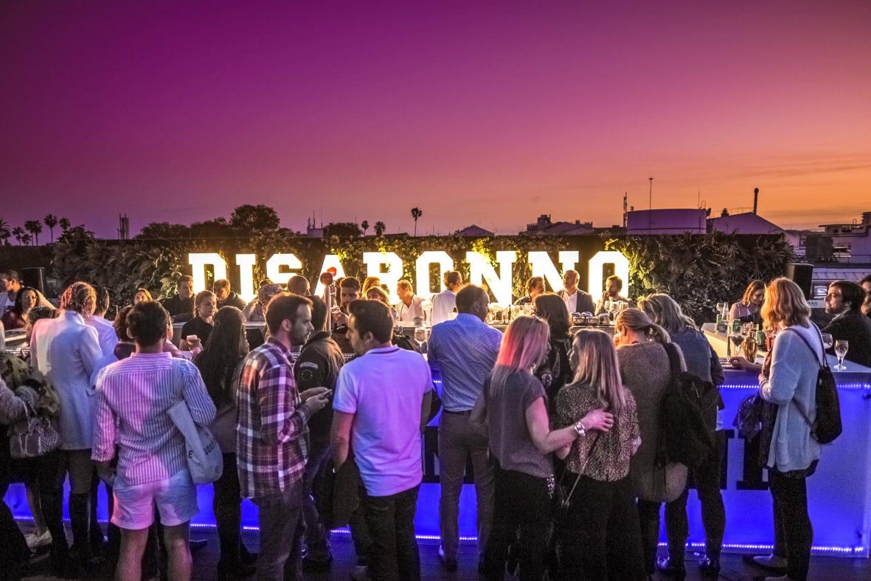 Acústicos Fever reúne músicos no Rooftop do Level Eight