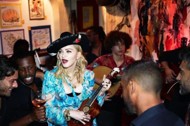 Madonna num bar em Lisboa