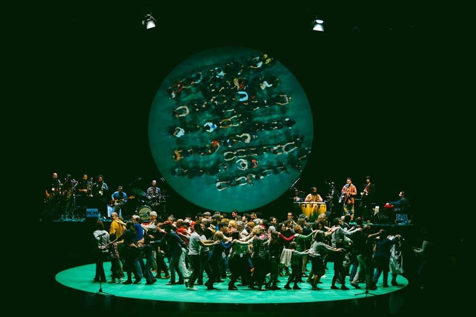 100% Lisboa: a peça que leva uma cidade inteira ao palco