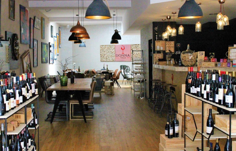 Donna Taça: Vinhos, arte e petiscos numa casa com charme e personalidade