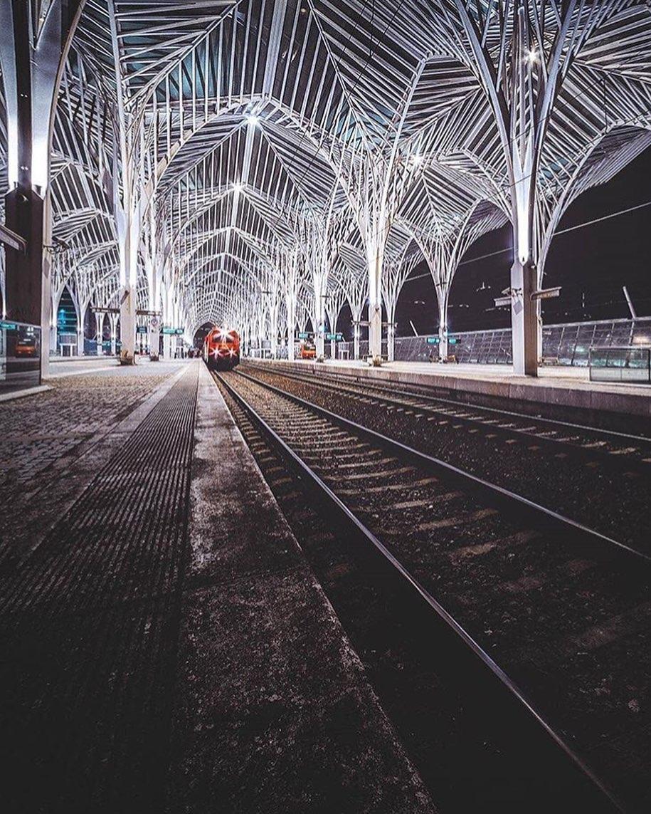 Estação do Oriente à noite