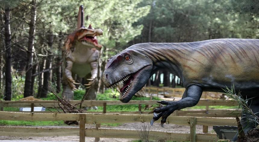 O Dino Parque vai abrir na noite de Halloween