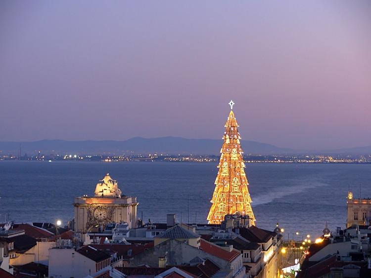 Luzes de Natal em Lisboa acedem dia 29 às 18h, na Praça do Comércio