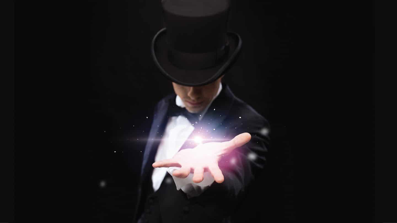 Celebra 2020 com magia e glamour no jantar de gala do Corinthia Hotel