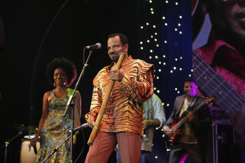 Bonga e ritmos africanos enchem o Clube Ferroviário para celebrar 2020