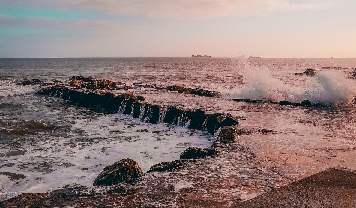 photo-of-seaside-during-dawn-3220184