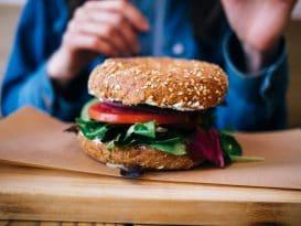 Aqui vais comer os melhores hamburgueres vegetarianos em Lisboa