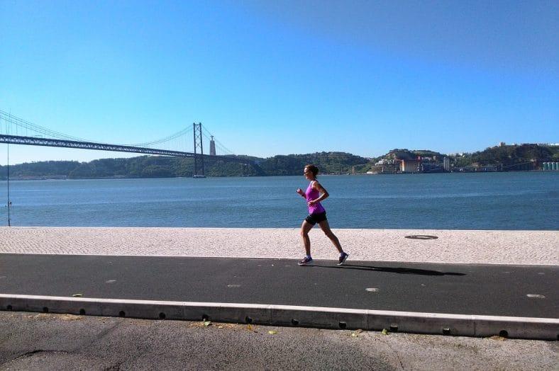 mulher a correr em lisboa