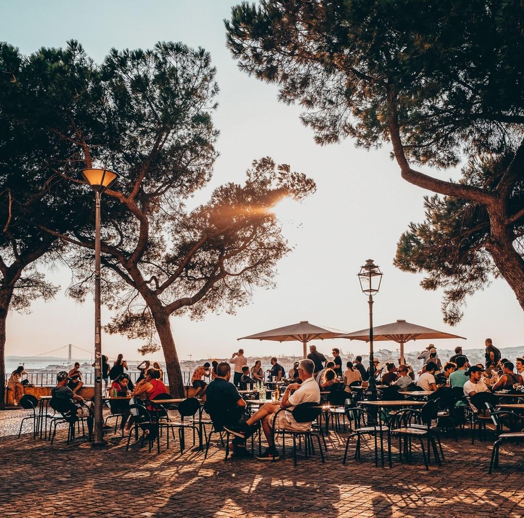 20 quiosques de Lisboa onde apetece passar a tarde toda