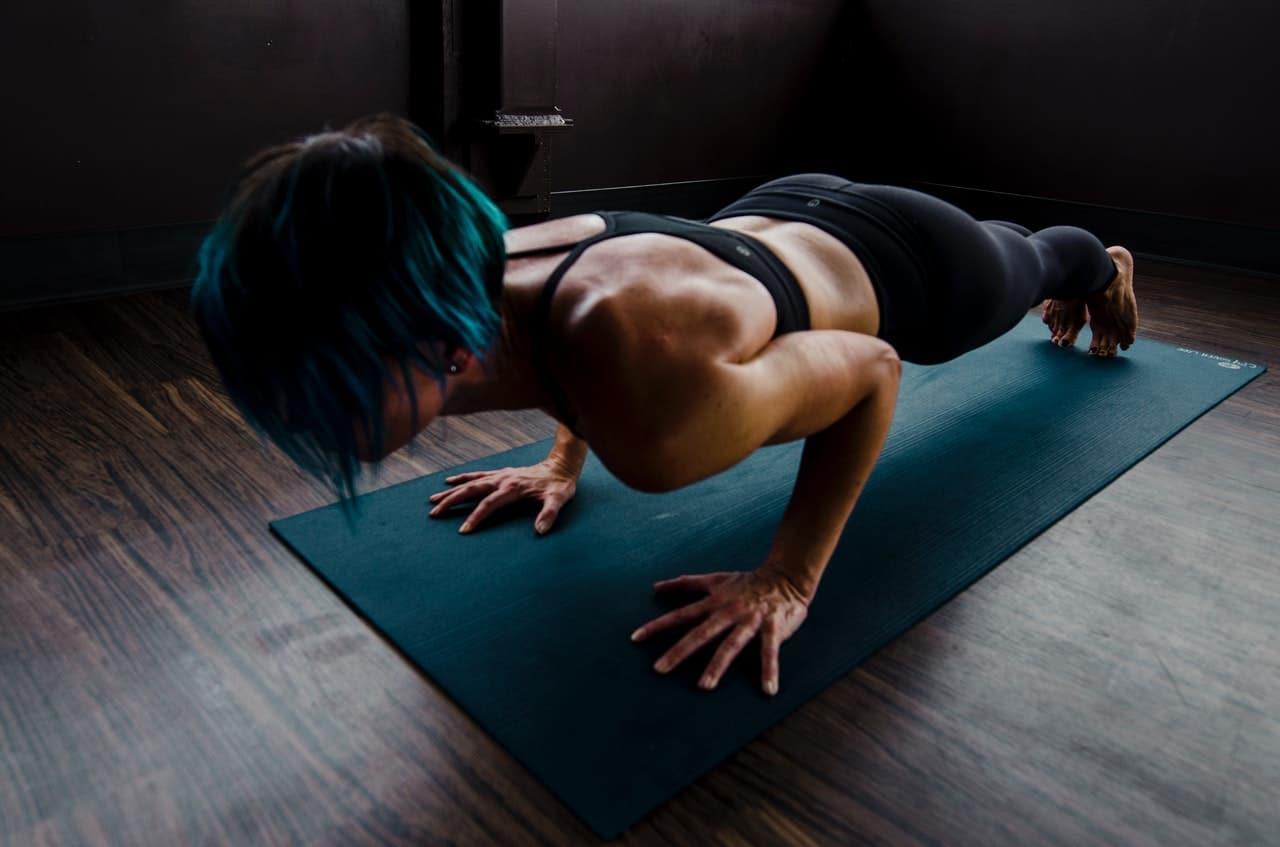 woman-doing-push-ups