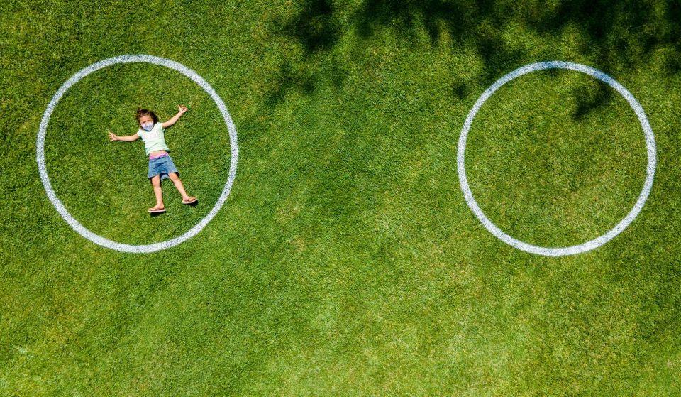 Jardim no Parque das Nações adota medida de distanciamento social engenhosa