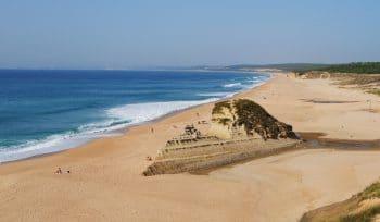 As 9 praias - oficiais - para naturistas que existem em Portugal
